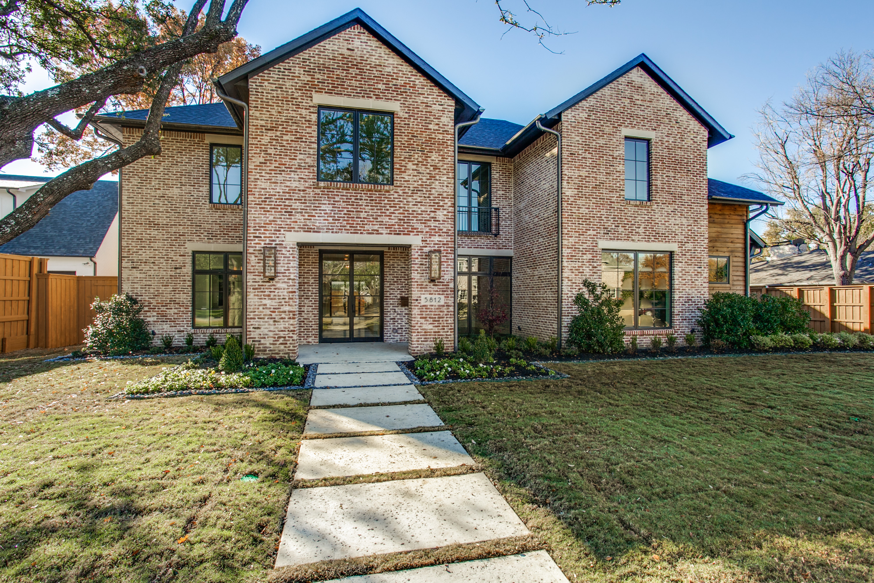 Dallas luxury real estate homes hunter dehn group for Luxury estate homes
